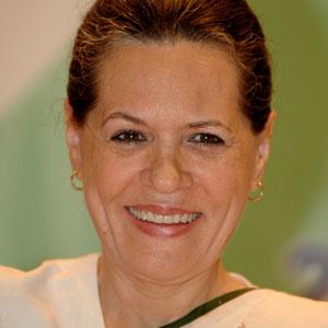 Sonia Gandhi sorprende con su nuevo corte de pelo