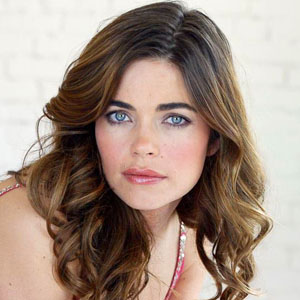 Amelia Heinle Haircut