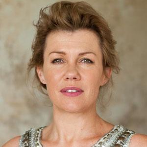 Robyn Malcolm Haircut
