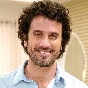 Eriberto Leão sorprende con su nuevo corte de pelo
