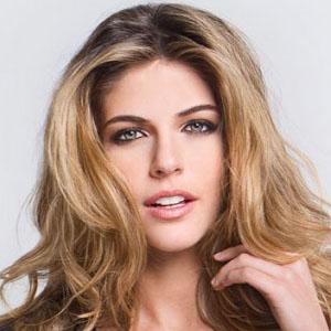 Stephanie Cayo Haircut