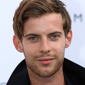 Luke Treadaway Net Worth